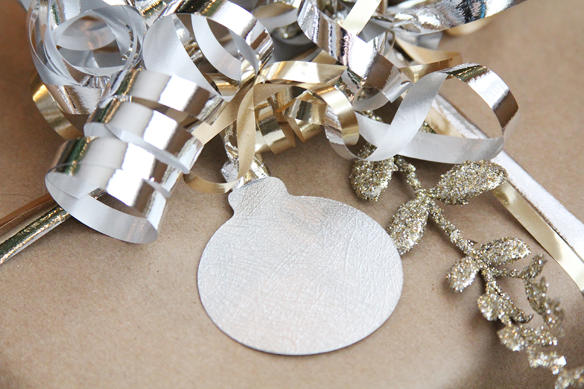 DIY Christmas Gift Tags with Cricut via Teacups & Things