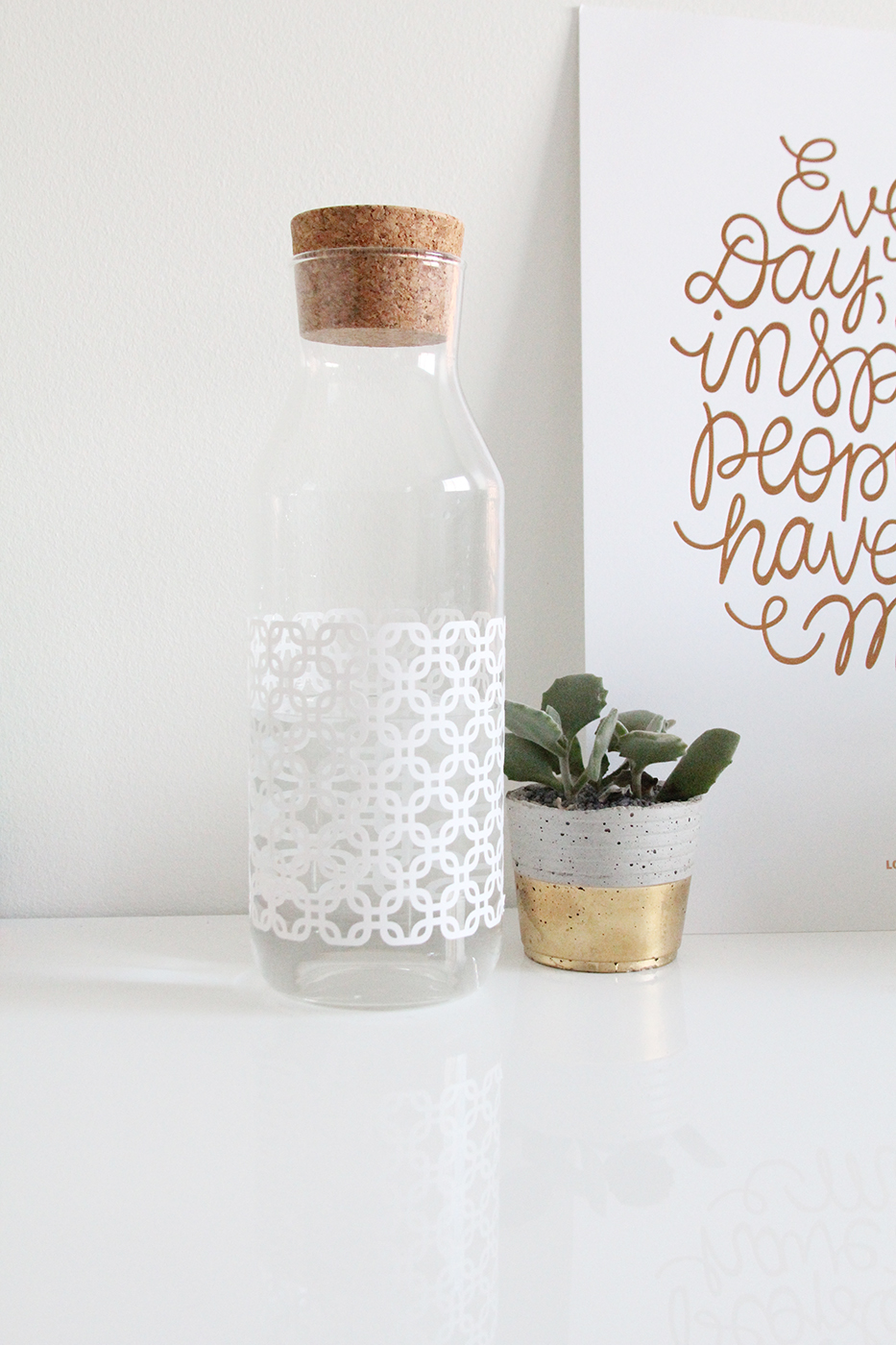Easy DIY Geometric Water Bottle with the Cricut Explore Air