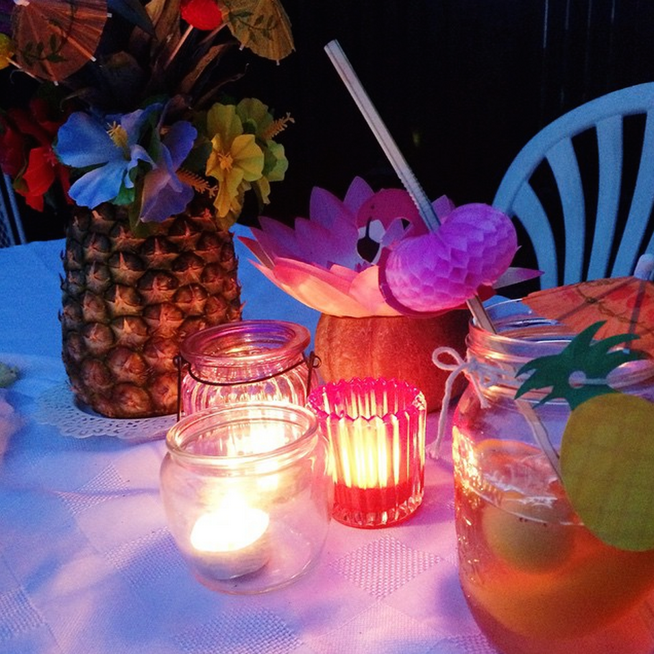 Table decor - tropical garden party | Teacups & Things