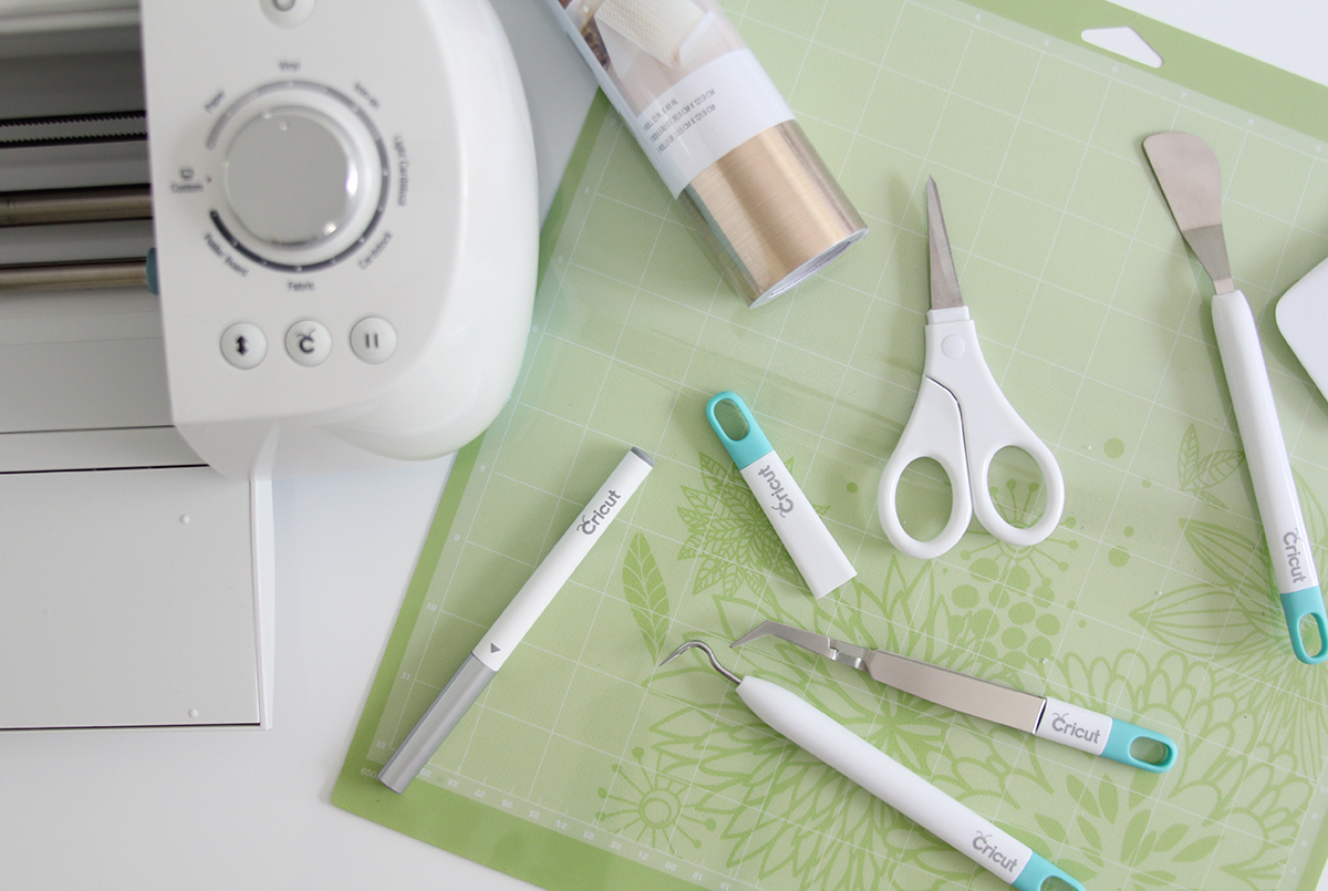 Getting crafty with Cricut | via Teacups & Things