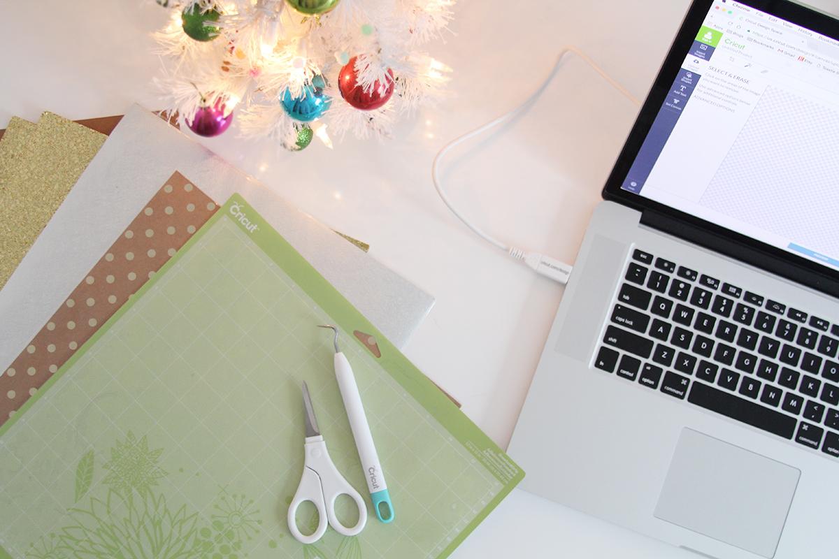 DIY Christmas Gift Tags with Cricut via Teacups & Things