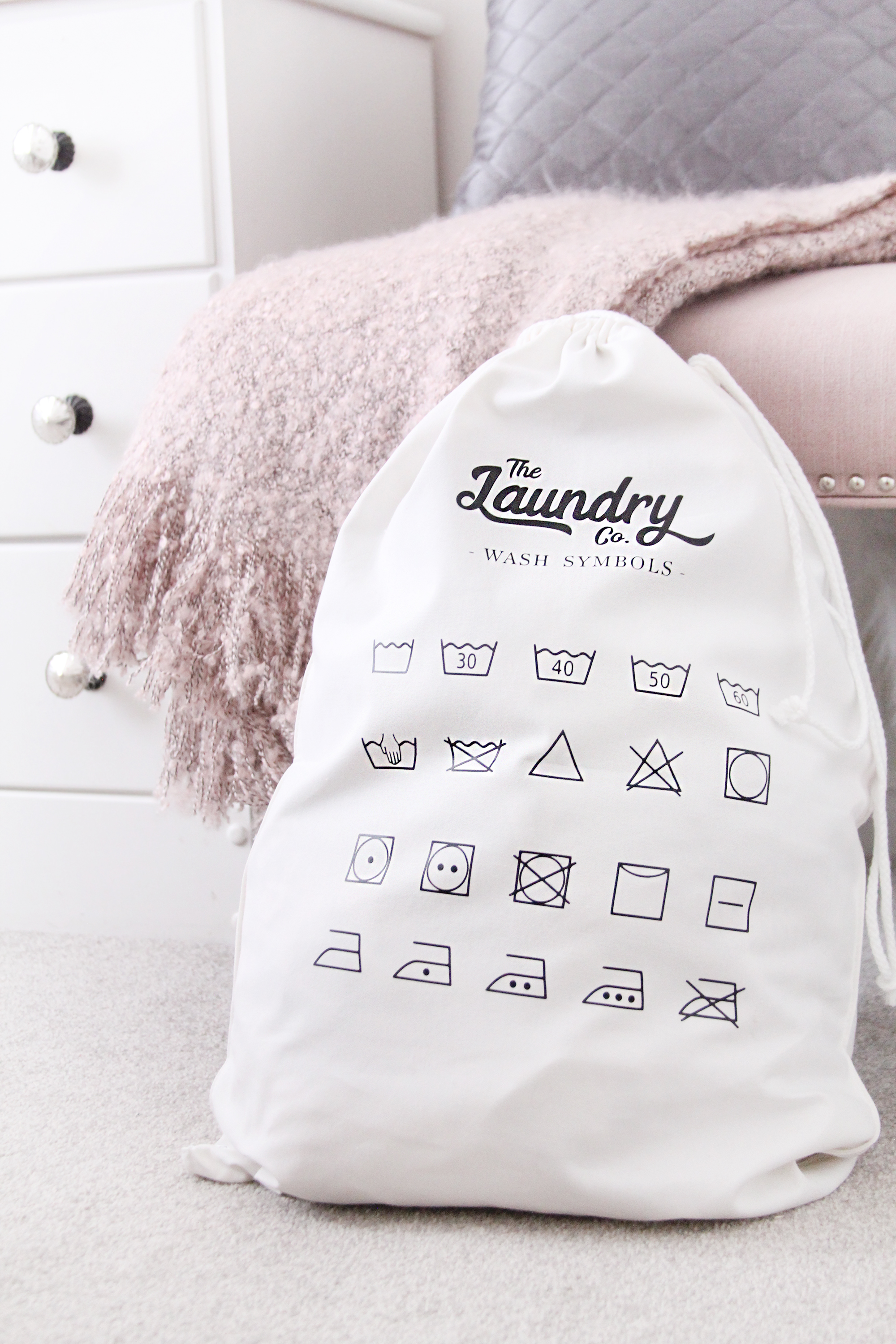DIY laundry bag with the Cricut Maker and Easy Press