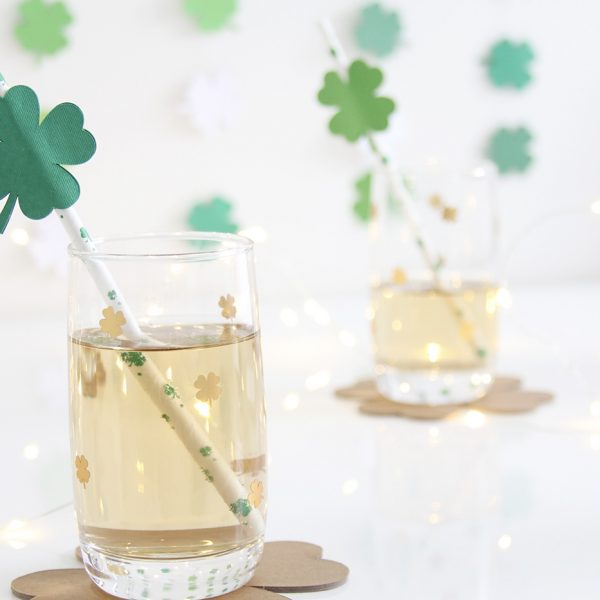 DIY shamrock coasters, glasses, straws and backdrop – Cricut Maker