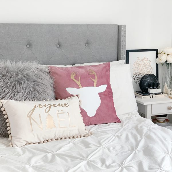 Winter holiday decor –easy DIY Christmas pillows with Cricut